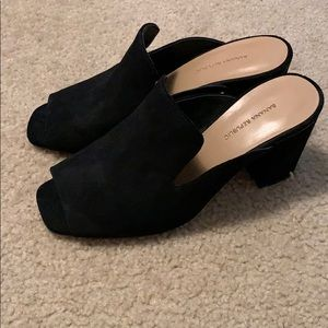 NWOT Banana Republic heels